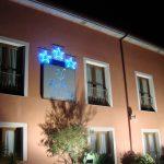 ext-bufon-de-arenillas-hotel-exterior-noche