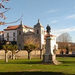 245px-Plaza_del_Ayuntamiento,_Colombres