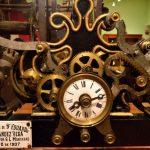 Reloj de torre de 1907 en la Casa del Tiempo en Infiesto. Piloña